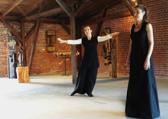Komposition von Mela Meierhans (Charlotte Frisch / Leslie Leon)